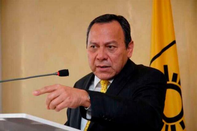 Líder nacional del PRD denuncia a AMLO ante la FGR