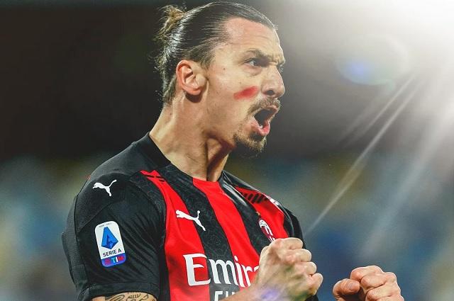Zlatan supera en goles a Cristiano tras golear al Napoli en San Paolo