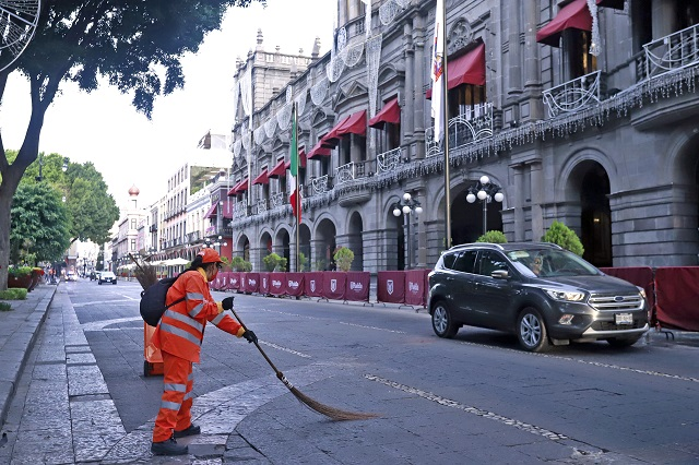 Ordenan a ayuntamiento de Puebla acatar pago a regidores