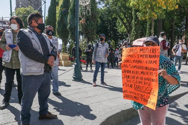 Ambulantes 3 - Ayuntamiento 0: vuelven al zócalo pese a operativo