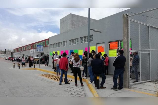 Comerciantes toman mercado Benito Juárez por imposición de administrador