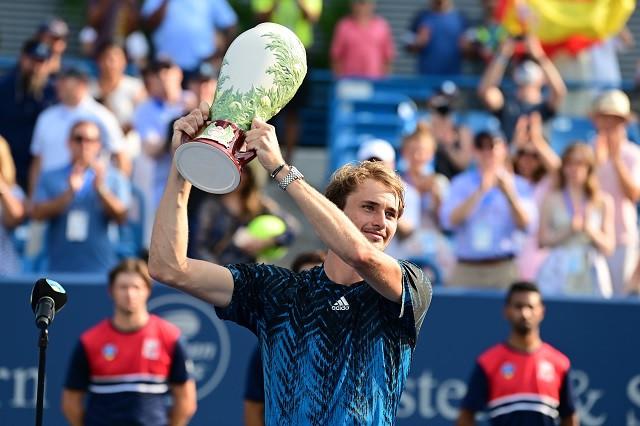 Zverev arrebata a Nadal el 4to lugar del Ranking ATP