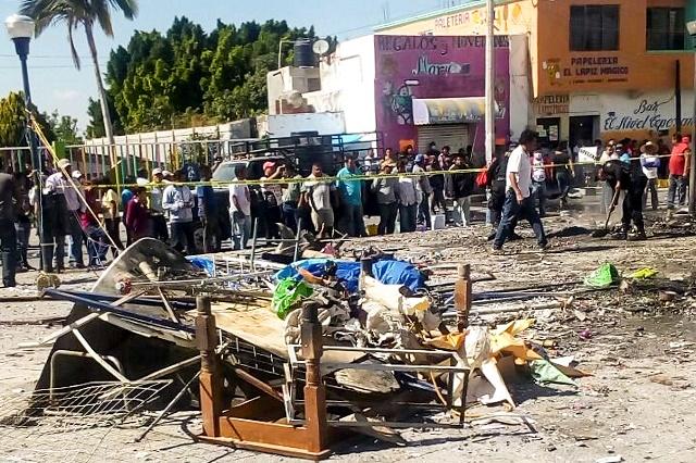 Explotan 4 puestos de pirotecnia en el plaza de Tepexi de Rodríguez